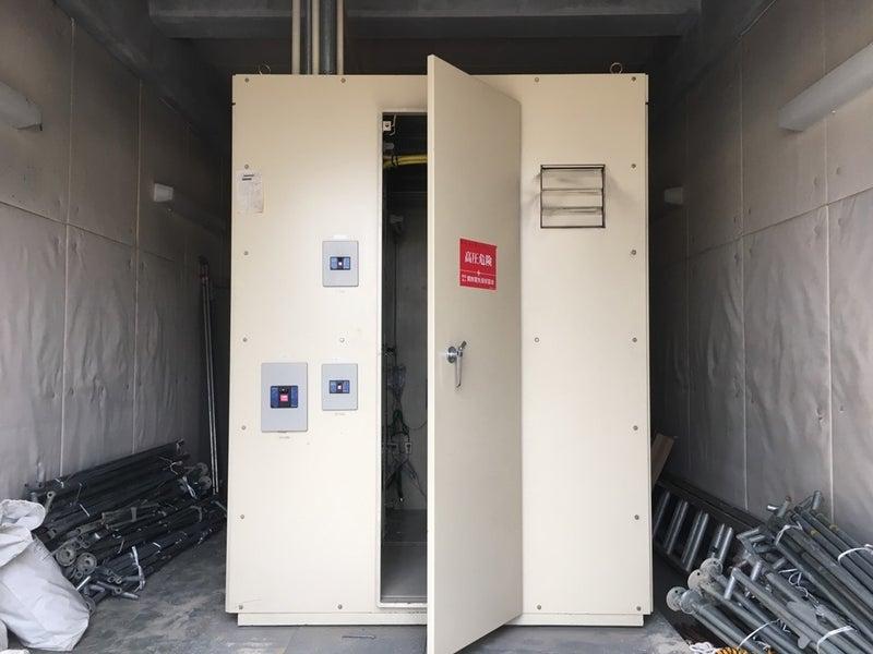 高圧受電盤のトランスオイル点検作業 京都府京都市