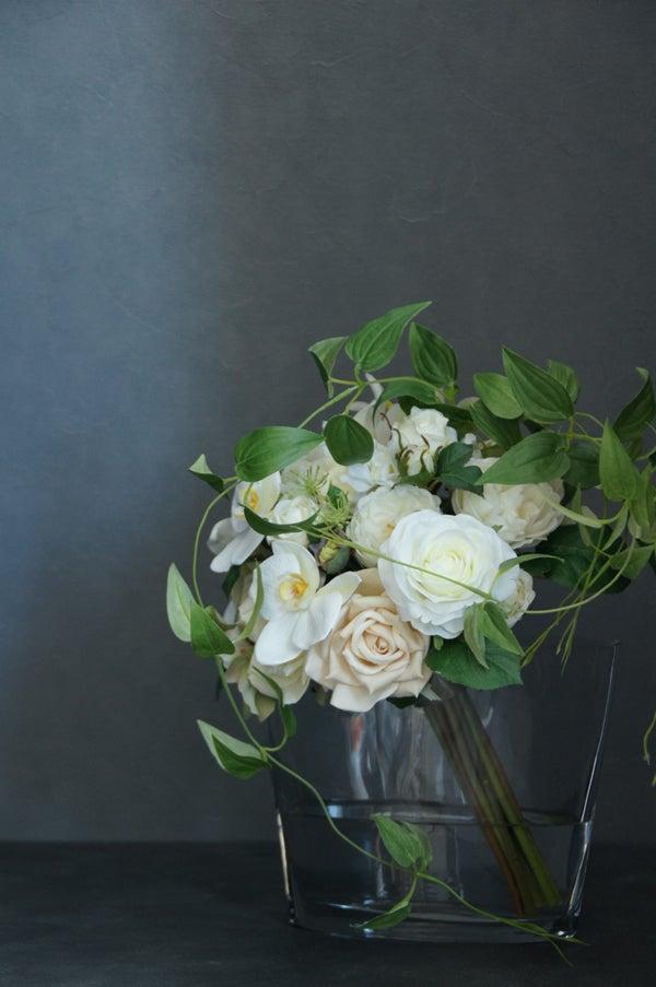 造花 アレンジメント 胡蝶蘭とカサブランカ