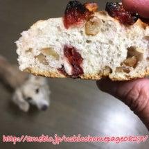 地元パン屋さんのパン…