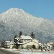 雪をかぶった有明山が…