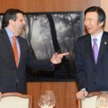 韓国大統領のあざと離…