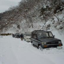 赤坂地方雪降ってます…