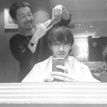 美容師の髪はどうして…