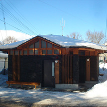 旧軽井沢公共トイレ完…