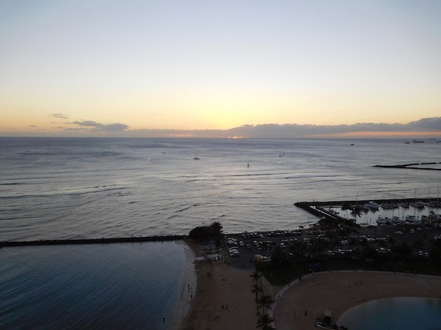 201612_084_HiltonHawaiianVillageRainbowTower