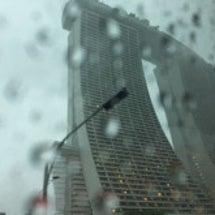 シンガポール沈むんで…