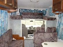 キャンピングカー オックス 4WD ベッド