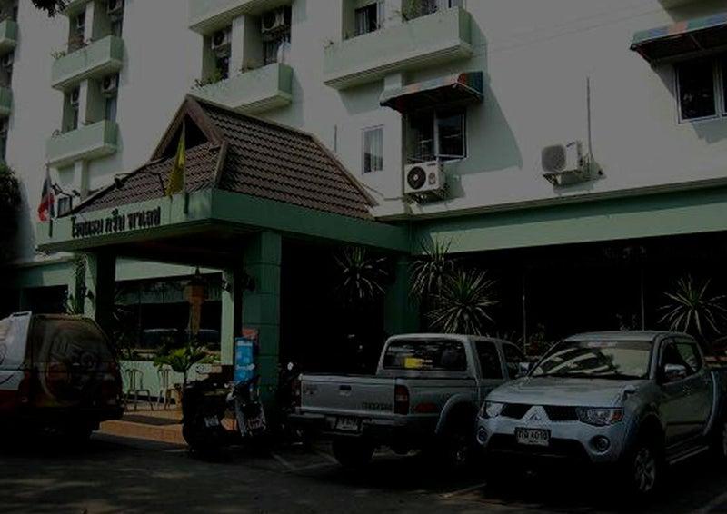 チェンマイ①シリマンカラジャ通りのグリーンパレス