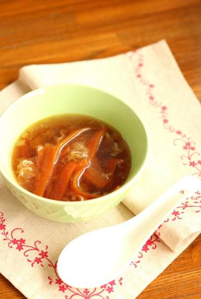 柏料理教室 お肌潤う 人参と白木耳の香味スープ