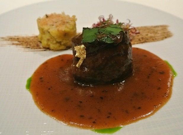 ナベノイズム東京 牛ほほ肉のプレゼ