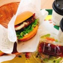 モスバーガーで昼食。