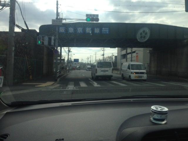 国道171号、高槻「阪急高架下」付近にて