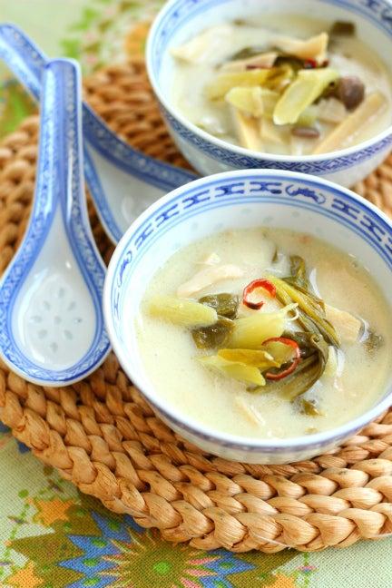 柏 料理教室 タイの人気スープ トムカーヘット