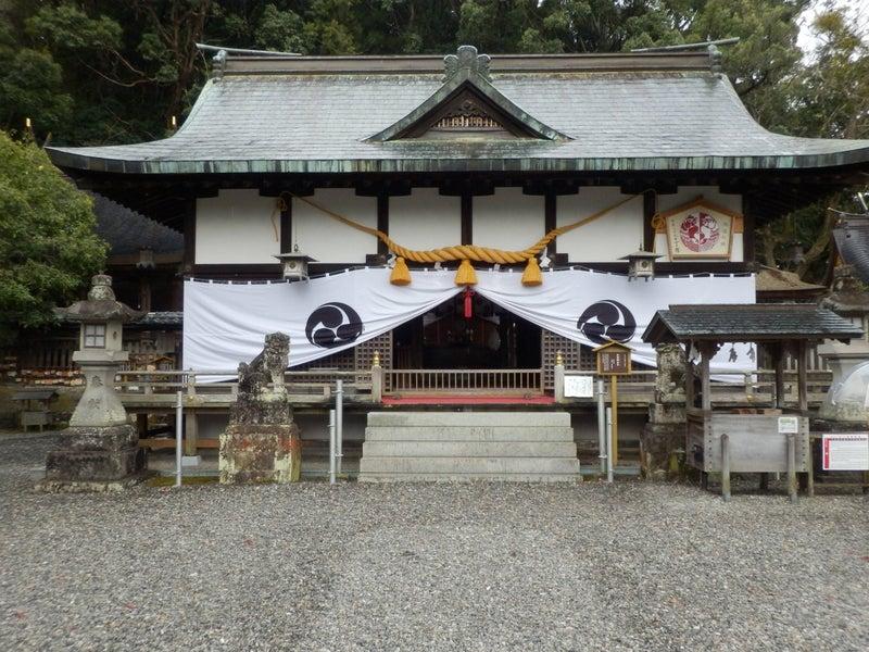 闘鶏神社社殿