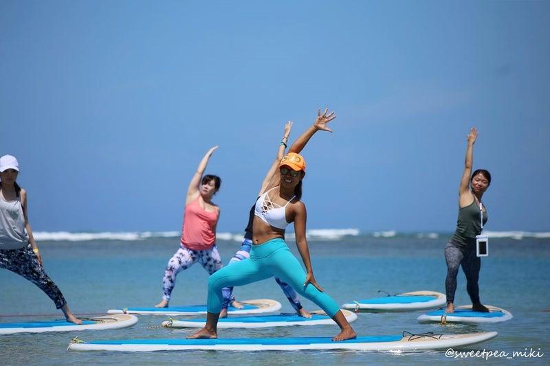 ハワイ ヨガフェスタ ビーチ サップヨガ SUP ヨガ イベント 撮影