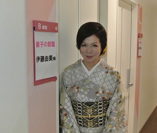 テレビ朝日アーク放送センター 楽屋前 由美ママ