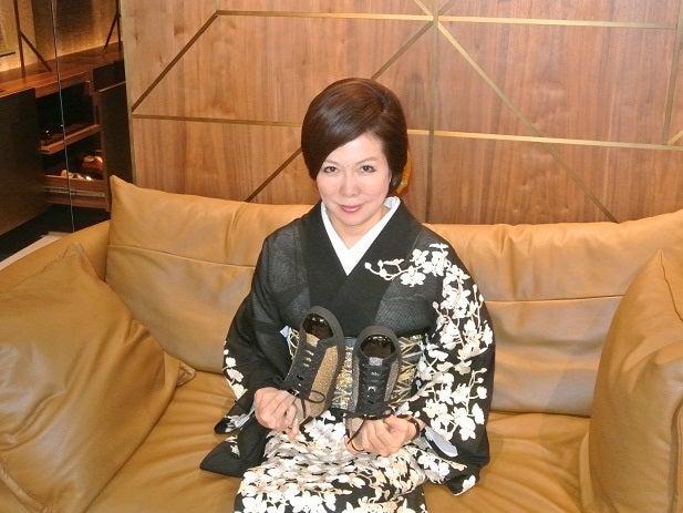 Santoni TOKYO銀座 伊藤由美ママ