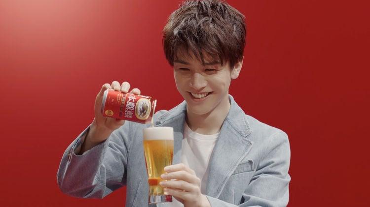 ビール cm 俳優 2018