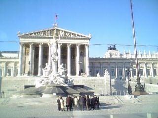 宮廷前広場