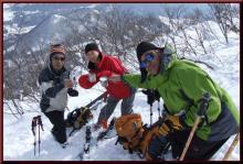 ロフトで綴る山と山スキー-登頂に乾杯