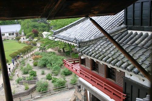 松本城 月見櫓を望む