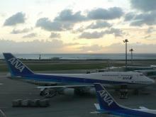 那覇空港の夕日
