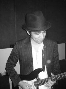 ギターのTAKAさん