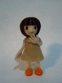 前髪ぱっつんボブ少女