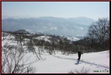ロフトで綴る山と山スキー-台地手前で振り返る