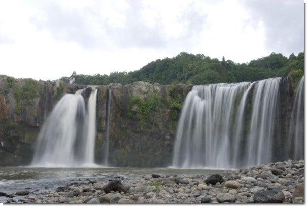 滝壺(右側)