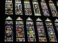 大聖堂内のステンドグラス