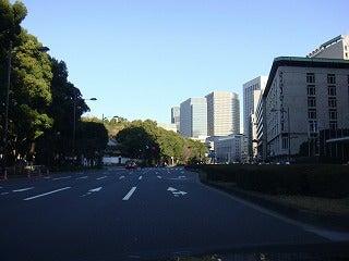 旅犬Laniのほほん風船記-東京の道