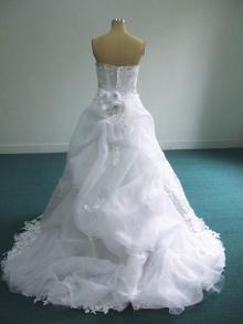 後ろレースドレス