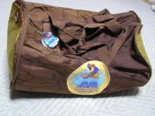 虫食い林檎と車のある風景-スプラッシュ鞄