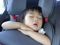 車に乗ると寝ちゃうね