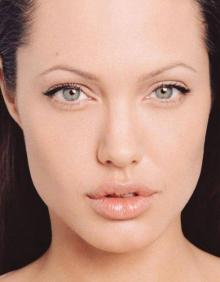 62_closeup_of_angelina_jolies_face
