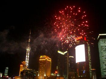 黄浦江に上がる花火