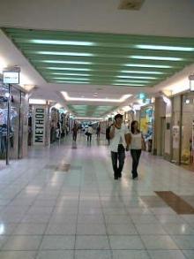 名駅地下街