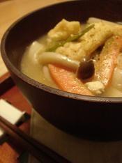 山梨の郷土料理、ほうとう鍋。