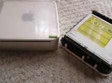 虫食い林檎と車のある風景-Mac mini掃除1
