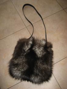 大木毛皮店 ギタバカ工場長 の毛皮修理専門ブログ-銀狐バッグ リフォーム