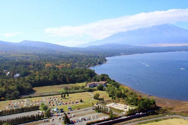 100M会場と山中湖と富士山