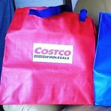 日本のと違って色が可愛いショッピングバッグ♪