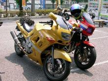 ZZ-R600(写真)