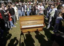 レノンのピアノ