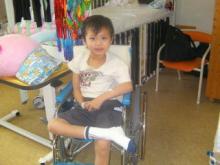 $8歳児のリハビリ日記 ~片麻痺も失語症も吹っ飛ばせ!~-入院2ヶ月半頃