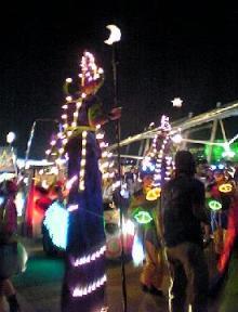 parade 185