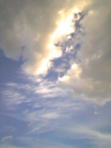 空は青かった