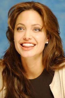 Angelina_Jolie_001