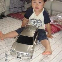 大きな車のおもちゃ